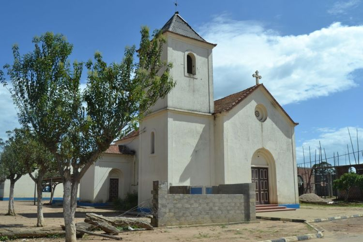 Iglesia del Pueblo anterior a Nharea