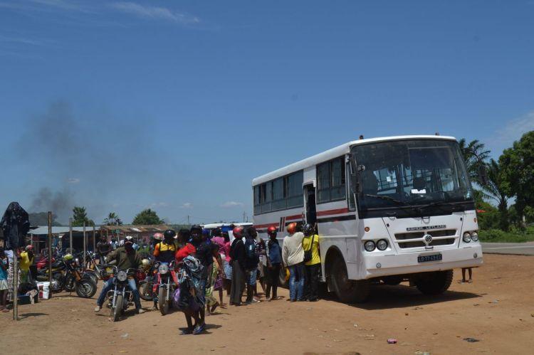 Otro autobús en el camino