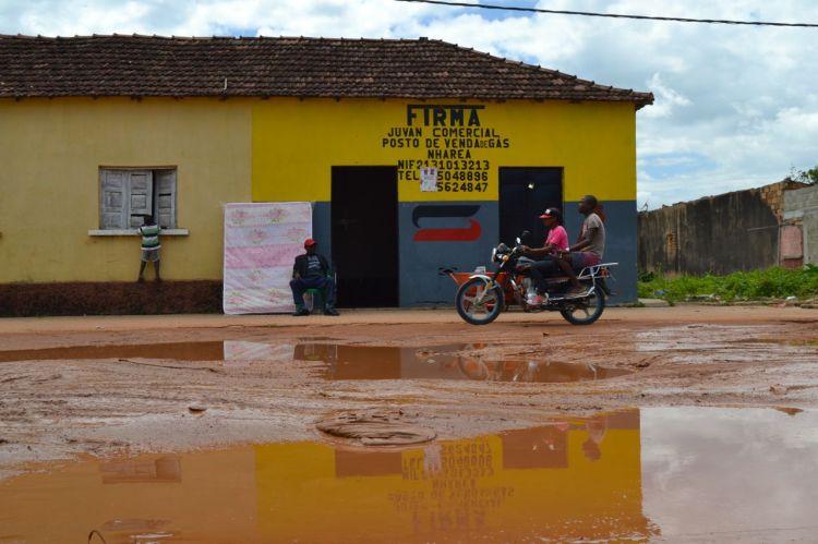 Calle principal de Nharea