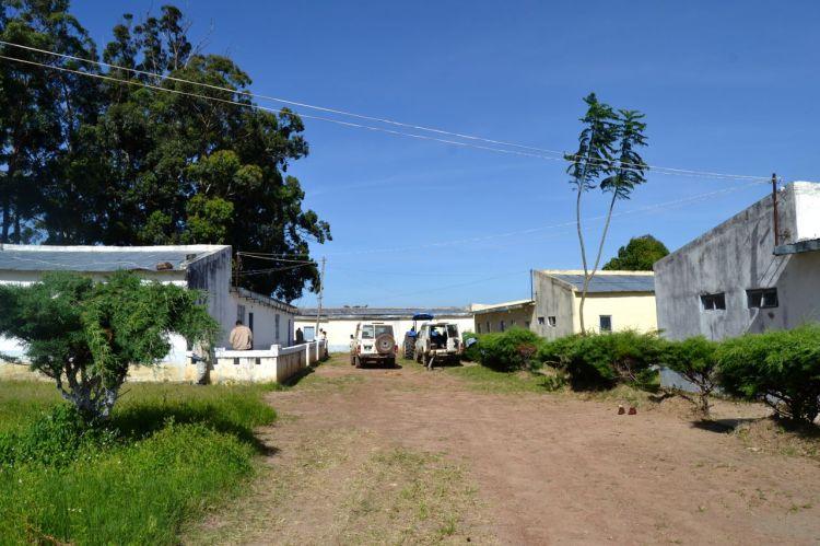 Cantina,aula y pabellón de los hombres (De izquierda a derecha)