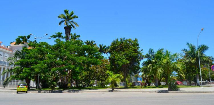 Jardines del Palacio del Comité Provincial de Benguela
