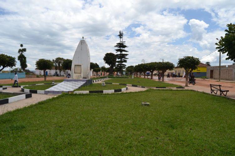 Jardin en la calle principal de Nharea