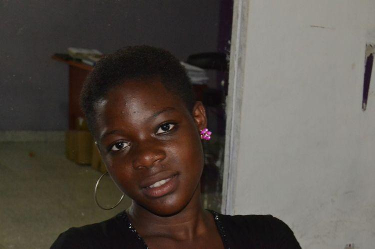 Una de las muchachas del cíber