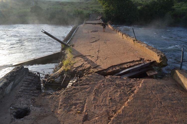 El puente sobre el Kuemba