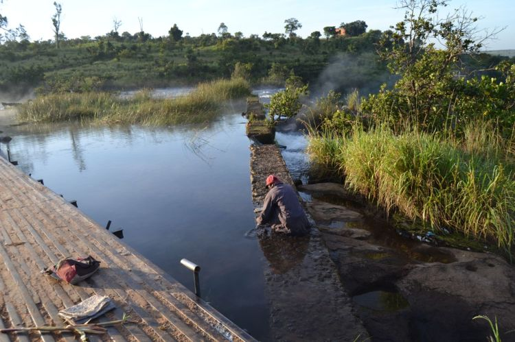 Lavándose en el Kuemba