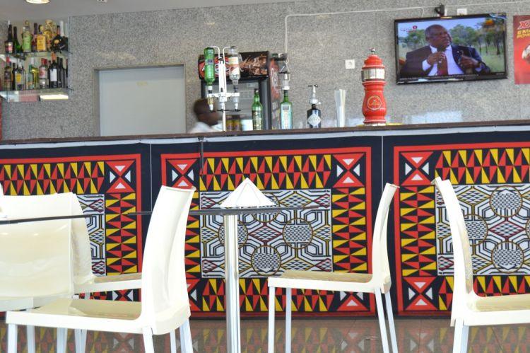 Cafetería del aeropuerto de Huambo