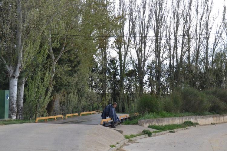 Esperando en Población de Campos