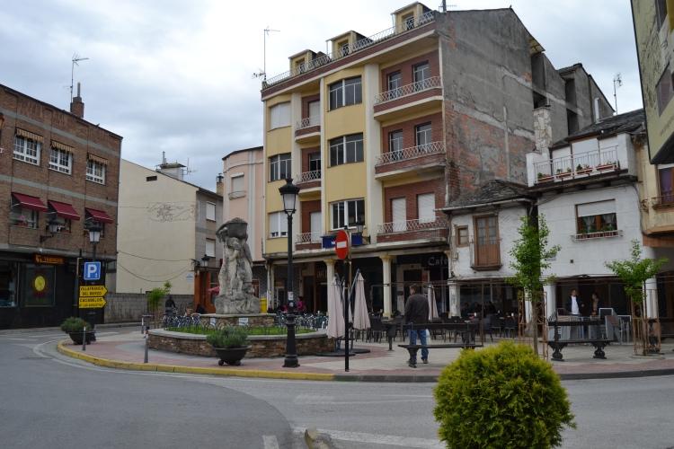 La plaza de Cacabelos