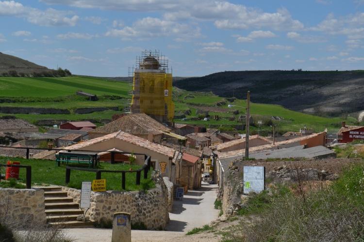 Hontanas, 4 albergues y 40 vecinos