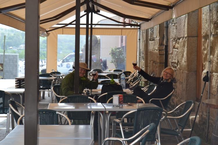 dos peregrinos en Sarria