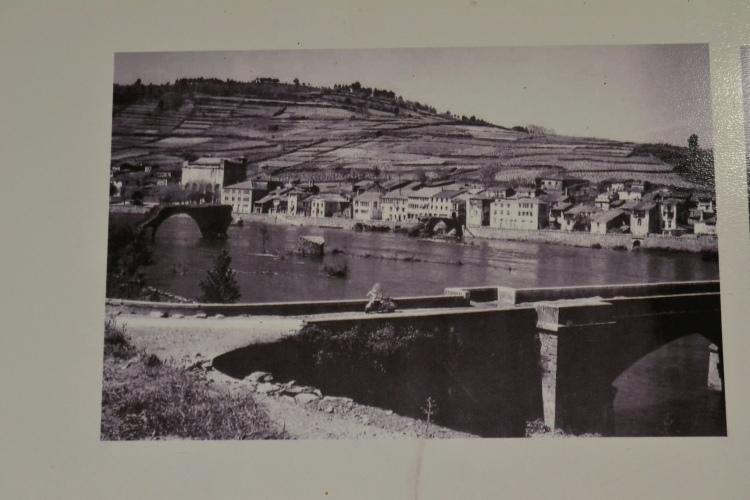 Imagen de Portomarín antes de ser inundado por el embalse.