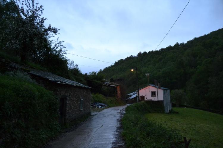 La primera aldea saliendo de Triacastela