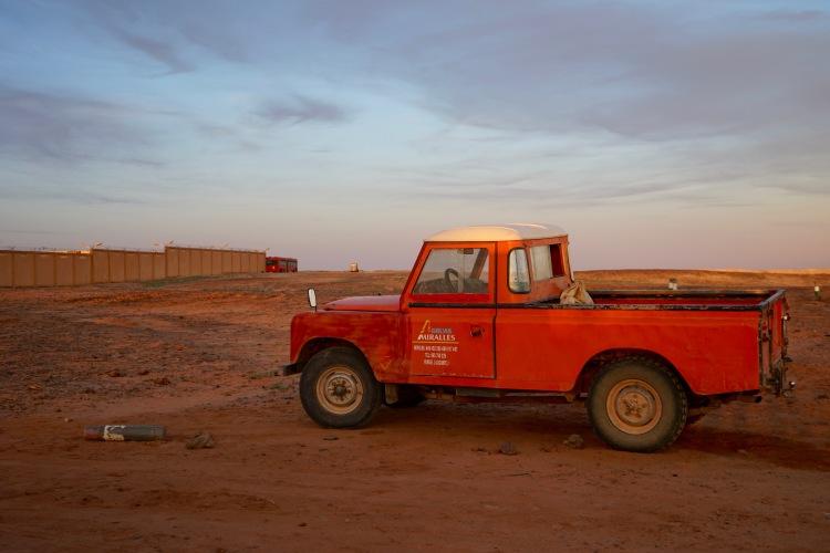 Un coche por Rabuni.